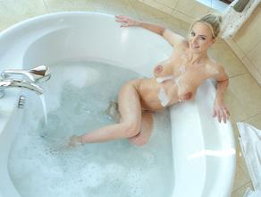 Bathtime With MILF Natalie 27