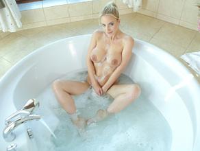 Bathtime With MILF Natalie 31
