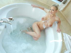 Bathtime With MILF Natalie 28