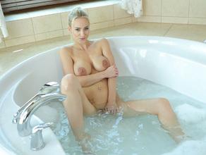 Bathtime With MILF Natalie 72