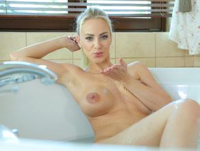 Bathtime With MILF Natalie 78