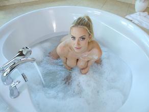 Bathtime With MILF Natalie 21