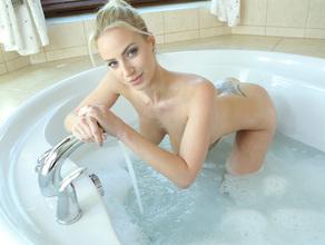 Bathtime With MILF Natalie 37