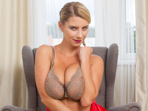 Home Alone With Lusty Mom Katerina 7